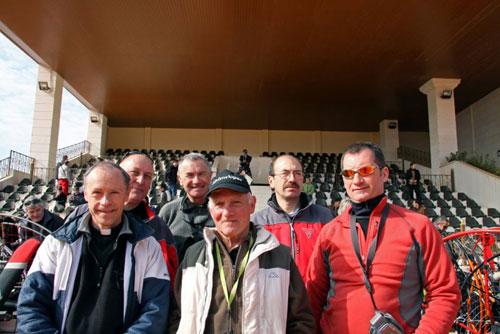 Notre curé Serge, papi et Marc Angot et son équipe