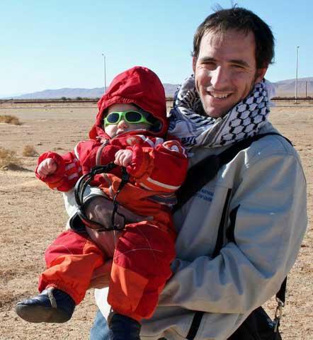 Lolo père et fils baptisé au sable du désert...